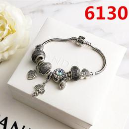 brazaletes asiáticos de plata Rebajas Nueva marca de joyería de sistemas de plata caliente de cristal llena de diamantes pulsera de las mujeres de moda los amantes del regalo aleación de la personalidad encanto de la letra pulseras Mujer