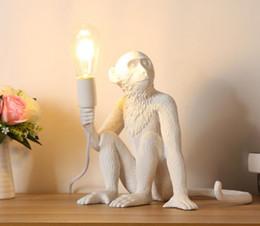 Modern Siyah Maymun Kenevir Halat Kolye Işık Moda Basit Sanat Nordic Kopyaları Reçine Seletti Asılı Maymun Lamba nereden