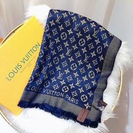 Sciarpe di seta jacquard online-Sciarpe di seta di marca classica del 2019 sciarpe di seta di modo del jacquard del cotone d'argento brillante di alta qualità sciarpe di seta 180 * 70 degli uomini di modo scialle delle donne