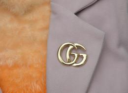 2019 tricô sweater china Designer Broches Famoso luxo broche de pérolas Mulheres diamante broche Moda Mulheres Bijuteria Decoração 3001