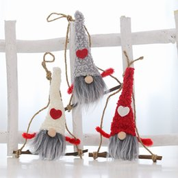 Плюшевая рождественская елка санта онлайн-Симпатичные Плюшевые Санта-Кукла Рождественские Украшения Падение Кулон Xmas Tree Висячие Украшения Праздничная вечеринка детские подарки