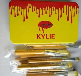 2019 polvos cosméticos kylie Kylie sombra de ojos de cepillo del maquillaje cepilla 12 PC / sistema Herramientas Fundación para polvos profesionales de belleza cepillo cosméticos Kits con Box polvos cosméticos kylie baratos