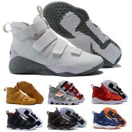Argentina 2020 nueva LeBron Soldado XI 11 zapatos de baloncesto de los hombres Azul marino envío de la gota famoso talla de hombre entrenadores deportivos zapatillas de deporte 7-12 Suministro