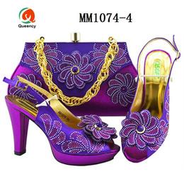bec7e1367 Dgrain Alta Qualidade Decorado com Strass Nigéria Casamento Sapatos de  Salto Alto Mulheres Sapatos Novos Conjuntos de Sapatos e Conjuntos de Malas  Africanas ...