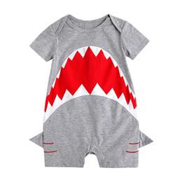 2019 nette sommerjungenspielanzug Neugeborenes Baby Kleinkind Shark Strampler grau Overalls Kurzarm niedlichen Sommer Baby Kleidung Tier Kinder Kleidung günstig nette sommerjungenspielanzug