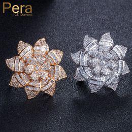 Pera New Fashion Famous Brand Anelli Accessori per gioielli Big Flower Shape Micro Pave Cubic Zirconia Anelli per le donne R089 da