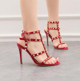 Tacones altos para formal online-diseñador de moda de lujo las mujeres zapatos rojos de tacones de aguja zapatos de boda baratos negro partido nupcial formal de baile sandalias atractivas de la tarde