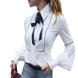 Camisas de escritório sexy on-line-Mulheres Sexy Escritório Bow Tie Blusa Lanterna Manga Túnica Botão Para Baixo Camisas Elegante Top Branco / Azul Das Mulheres Tops e Blusas