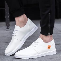 Canada 2018 été nouveaux hommes PU chaussures tendance affaires occasionnels hommes chaussures mode Angleterre occasionnel cheap england fashion trends Offre
