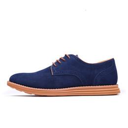 The New England Trend Zapatos casuales de ante Oxford para hombre Zapatos de vestir de cuero de lujo Brogue de cuero para hombre zapatos de los planos para los hombres desde fabricantes