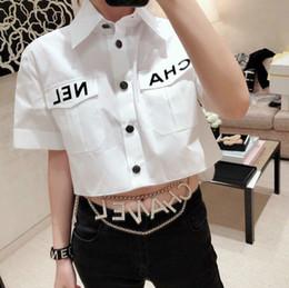 Camisas de diamantes de imitación online-Moda Mujer Carta Blusa 2019 Verano Turn Down Collar de Manga Corta Crop Camisas Partido Streetwear Tops Cadena Rhinestone