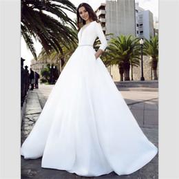 Canada 2018 robes de mariage de pays de satin blanc balayent train robes de mariage de bohémien dos creux avec poches perles ceinture plus la taille robes de mariée Offre