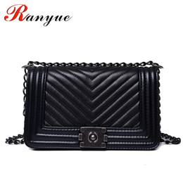 222f87c725fe Ranyue Luxury Handbags Women Bags Designer Women Messenger Bags 2018 Summer  Vintage Fashion V Small Chain Crossbody Bag Hot Sale Y190124