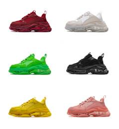2019 Triple S Dad Shoes Лучшее качество Triple-S Повседневная обувь Тренер zapatos Бежевый Черный Мужчины Женщины Повседневная обувь Спорт от Поставщики мужская спортивная обувь
