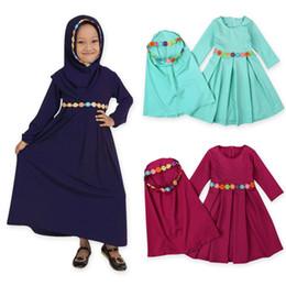 lenços muçulmanos de renda Desconto Meninas Muçulmano Tradicional Vestido Ramadan Abaya Floral Lace Sólida Kaftans Two-Piece Ternos Crianças Designer Vestido Hijab Cachecol Traje Traje Outfits