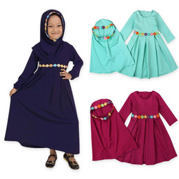 Laço do abayas on-line-Meninas Muçulmano Tradicional Vestido Ramadan Abaya Floral Lace Sólida Kaftans Two-Piece Ternos Crianças Designer Vestido Hijab Cachecol Traje Traje Outfits
