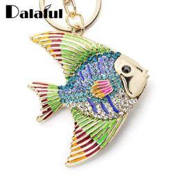 2019 chaveiros de pesca Dalaful Peixe Tropical Chaveiros Chaveiros Esmalte Multicor Cristal Goldfish Chaveiro Saco Titular Pingente Para Carro K366 chaveiros de pesca barato