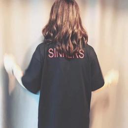 2019 мужская мода логотип футболки 18ss грешники высокое качество хлопок Письмо печати логотип футболка мода Мужчины Женщины пара высокое качество tee hfwptx012 скидка мужская мода логотип футболки