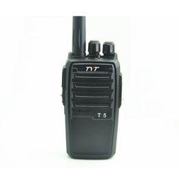 radio t5 Rebajas 2PCS TYT T5 Radio bidireccional de mano / Walkie Talkie VHF 136-174 mhz CTCSS / DCS TYT T-5 Transceptor de jamón CB portátil para sitio de minería