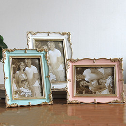 gold framed paintings Promo Codes - Vintage Picture Frame Green Pink Resin Photo Frame Painting Photo Frames Gold Frames Living Room Home Decor Gift 5 6 7 8inch DBC DH1667