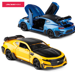 Chevrolet geschenke online-1:32 Chevrolet Camaro Alloy Diecast Car Modell Mit Zurückziehen Spielzeugauto Für Kinder Kinder Und Erwachsene Geburtstagsgeschenke Sammlung J190525
