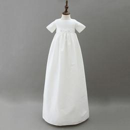 robes de baptême en soie Promotion 3 à 12 mois bébé filles longues robes de baptême, chapeau, vêtements d'été en euro en coton, vêtements blancs pour enfants, R1AM710DS-19