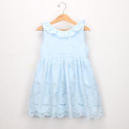 chaleco niños algodón verano Rebajas Vestido de algodón para niñas 2019 verano nuevos niños de encaje hueco bordado vestido de princesa falbala de solapa con cordones Arcos chaleco vestido F4879