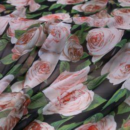 2019 tela bordada de terciopelo rojo 1 Rosa Rosa Tela Fina Impresa, Suave Poliéster Tissus Diy Tela Para Vestido, Vestido De Playa Gasa Tissu Au Meter