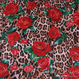 Rose Leopard tecido Print, flores impresso jacquard tissus tecido de poliéster, as mulheres se vestem DIY fabricclothing material de pano de costura de Fornecedores de bordados de renda de contas por atacado
