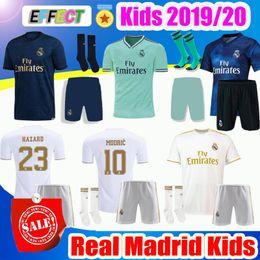 2019 camisas de futebol para crianças 2019 Real Madrid Crianças Kit de Futebol Jerseys 19/20 Casa PERIGO Branco Longe 3 º 4o Menino Criança Juventude Modric 2020 SERGIO RAMOS BALE Camisas de Futebol Kids Kits camisas de futebol para crianças barato