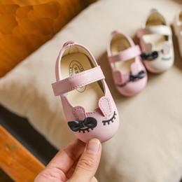 chaussures en gros de brevets pour bébés Promotion bébé filles chaussure arc bout rond vache muscle dessin animé oreilles de lapin chaussures en cuir chaussures enfants 0-18 M