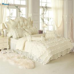 Ropa de cama de satén rosa de lujo online-4/6 / 8pcs Blanco Rosa Jacquard Satén Juego de cama King Queen Full Twin Luxury Tribute Edredón de seda / funda nórdica Ropa de cama Ropa de cama