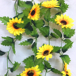 Recinzione di fiore artificiale online-240 cm Fiori artificiali di girasole di seta finta edera vite con foglie verdi Appesi ghirlande da giardino Decorazione della casa di nozze