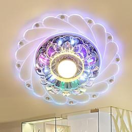 lámpara colgante redonda Rebajas Techo de cristal nuevo pasillo de luz cristalina moderna de la luz LED de Pasillo Pasillo de la lámpara pendiente de la lámpara de techo ronda de apertura de luz de colores
