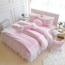 2020 ropa de cama de estilo princesa rosa Pink Purple Blue Princess style Girls Juego de cama Ropa de cama Fleece Juego de funda nórdica de invierno con borde de encaje Twin Queen King Size Bedskirt ropa de cama de estilo princesa rosa baratos