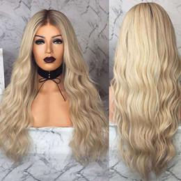 Pelucas largas y rizadas resistentes al calor online-Partido de las mujeres Las mujeres peluca rizada larga para cabellos rubios calor del pelo resistente peluca sintética