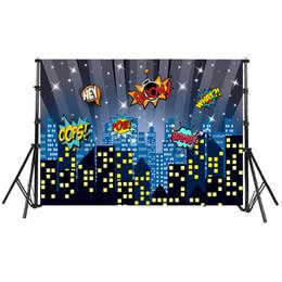 Foto della città di notte online-Sfondo di compleanno bambini Super Hero tema Città costruzione Sky Night Stars Boom foto sfondo per la fotografia