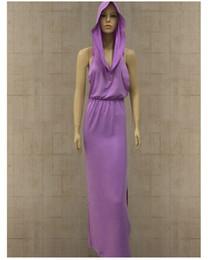 2020 фиолетовая женщина средневекового платья Дизайнерское Хеллоуинское платье вампира Сексуальная дырявая задняя щель без рукавов Шляпа Средневековый черный и фиолетовый цвета Женские платья 2019 скидка фиолетовая женщина средневекового платья