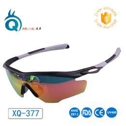 occhiali da sole arancioni sportivi Sconti 2019 Nuovo stile Ciclismo Montare Sport occhiali da sole degli uomini esterni Eyewear occhiali grigio arancio verde cornice gialla PC Anti-UV400 signore