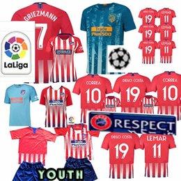 Madri Atlético De Futebol Camisas Griezmann Lucas DIEGO COSTA 19 Koke camisa  de futebol MULHERES homem Crianças Kits de futebol t camisa camisa feminina  de ... 0a280886b7460