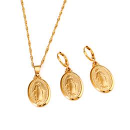 2019 conjunto de jóias de aço inoxidável de urso Conjunto de Jóias Virgem Maria Na Moda da Cor do Ouro Nossa Senhora Das Mulheres Dos Homens de Jóias Por Atacado Colares Pingente Cruz Conjunto
