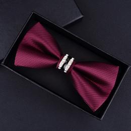 empate nudos arco hombres negro Rebajas Tuxedo Metal Crystal Wedding Bow Tie Hombres Mujeres Mariposa Nudo Cravat Negro Púrpura Azul Jujube Rojo Novio Fiesta Banquete Meet Club C19011001
