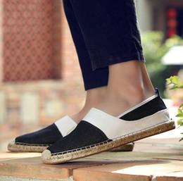 6b2b2deff Verão novo tênis de palha dos homens originais de linho sapatos casuais  sapatos de pano de Pequim preguiçoso um pé sapatos de pescador