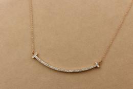 Collana lunga della catena sveglia online-Collana a forma di ciondolo con catena a forma di catena di t di alta qualità carino per le donne Collana lunga in oro argento