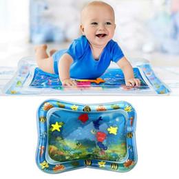 Brinquedos divertidos on-line-Almofada de Água Inflável Melhor Brinquedo Do Bebê Esteiras Para Casa Assento Infantil Barriga Tempo Divertido Jogar Esteiras Bebês Para O Verão MMA1939