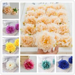Ghirlande di cerimonia nuziale del fiore falso online-12 colori simulazione peonia capolini 12 cm fiori di seta artificiale festa a casa decorazione di nozze fai da te ghirlanda vetrina fiori finti testa