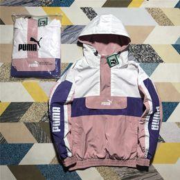 2019 encaje negro chaqueta con cuentas corta Diseñador de la chaqueta de las mujeres del otoño de primeras marcas de ropa deportiva para las mujeres pareja campana ocasional cremallera rompevientos carta bordado impreso tamaño M-XL # 163