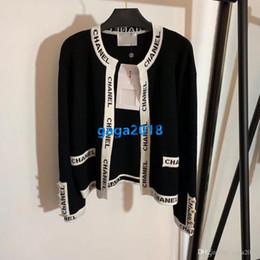 maglieria donna di giacca di lana Sconti alti delle ragazze delle donne di fascia in maglia di lana di seta del rivestimento del maglione lettera a righe cardigan tratto girocollo maniche lunghe cime di lusso camicetta di modo camicia