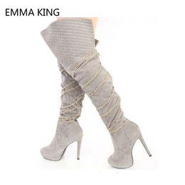 scarponi da donna a ginocchio delle signore Sconti Fashion Platform Catene in metallo Donna Stivali al ginocchio Scarpe Donna Black Red Stiletto Stivali tacco alto al ginocchio per le donne