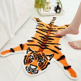 2019 alfombras con estampado animal Tiger Impreso Alfombra vaca leopardo del tigre Impreso Poliéster antideslizante antideslizante Mat 54.5cm * 82cm del estampado de animales de la alfombra rebajas alfombras con estampado animal